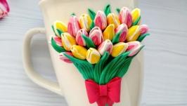тут изображено Тюльпаны на кружке