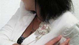 Текстильная брошь в стиле бохо, связанная крючком