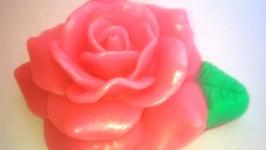 Мыло Роза с листочками с ароматом розы