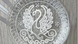 Тарелка декоративная ′Лебедь белая′