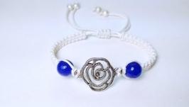 Браслет шамбала ручной работы ′Синяя роза′ с натуральным камнем (кварц)