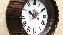 тут изображено Часы настенные ′старая бочка′. N 17
