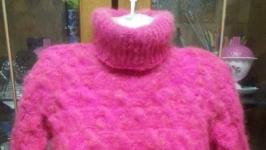 тут изображено пуховый свитер