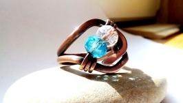 тут изображено Кольцо Glad от Rome Paul из серии CUPRUM, натуральный горный хрусталь
