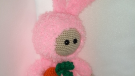 Розовый зайчик