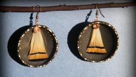 Кожаные серьги с перьями Золотая вуаль
