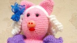 Веселая свинка Кудряшка Сью