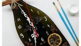 Часы на запеченой бутылке - кофейные