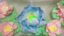 Кувшинки или водяные лилии из изолона