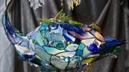 Синяя рыбка-витражный светильник в стиле тиффани,витражная скульптура