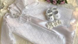 Очень красивый набор для крещения (платье, накидка, пинетки и повязка )