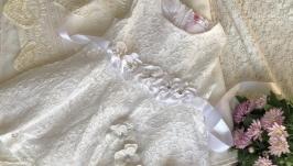 Кружевное платье для девочки с пинетками и повязочкой на голову