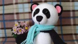 Вязаная игрушка панда