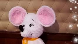 Плюшевая мышка