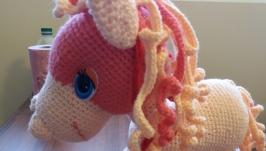 Розовый пони.