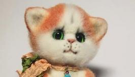 Валяная игрушка котенок Воображулька