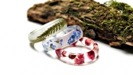 Кольцо с настоящими цветами.Незабудка,гипсофила,папоротник.
