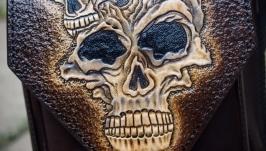 Поясная сумка с черепами
