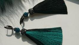 Серьги кисточки Emerald and black
