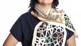 Светлый шарф из шерсти мериноса