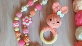 Погремушка - грызунок зайчик для малыша, вязаная игрушка, ручная работа