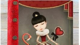тут изображено Ежедневник ′Королева сердец′
