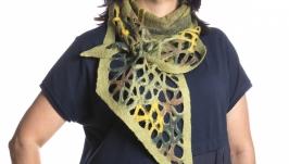 Зелёный шарф из шерсти мериноса