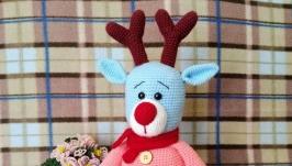 тут изображено Вязаная игрушка оленёнок ручной работы