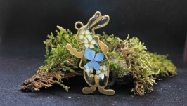 Кулон кролик с цветами