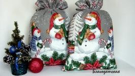 тут изображено Мешочек для подарка Снеговик