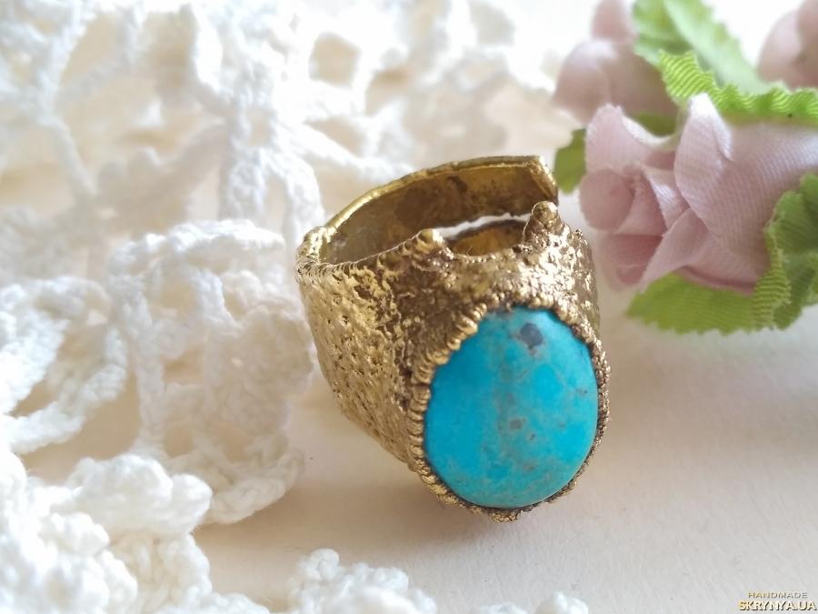 тут изображено Перстень с бирюзой