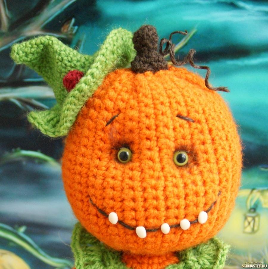 тут изображено Брошка тыква на Хэллоуин