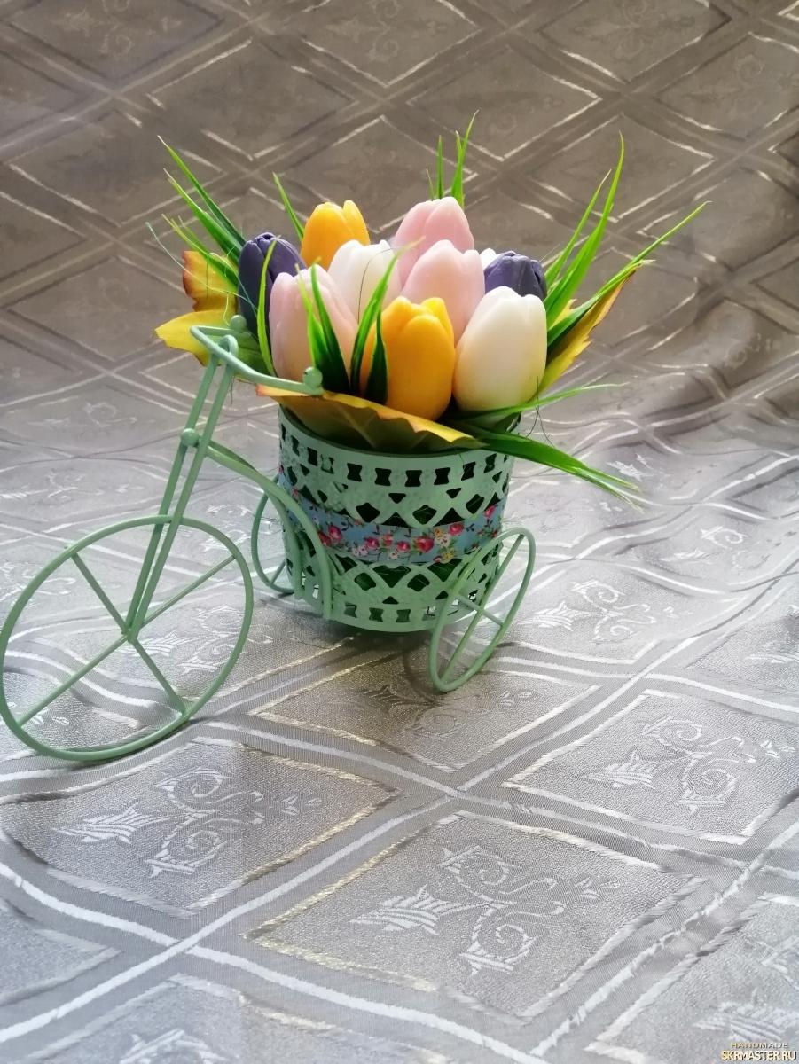 тут изображено Мини букетики из мыла ′Тюльпаны в велосипеде′, ′Осенний букет′