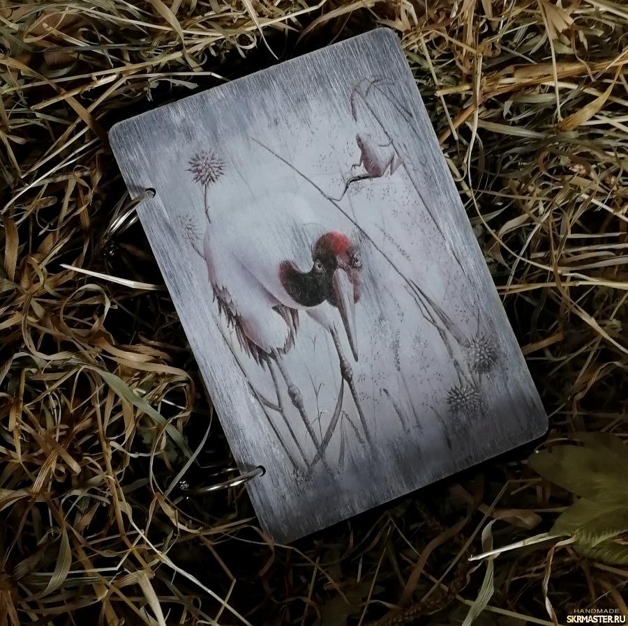 тут изображено Подарок-блокнот деревянный ручной работы
