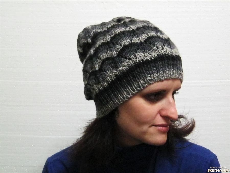 тут изображено Смугаса шапка зв′язані спицями з 100% вовни секційного фарбування