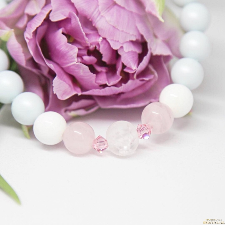 тут изображено Женский пастельный браслет из натуральных камней и жемчуга Swarovski