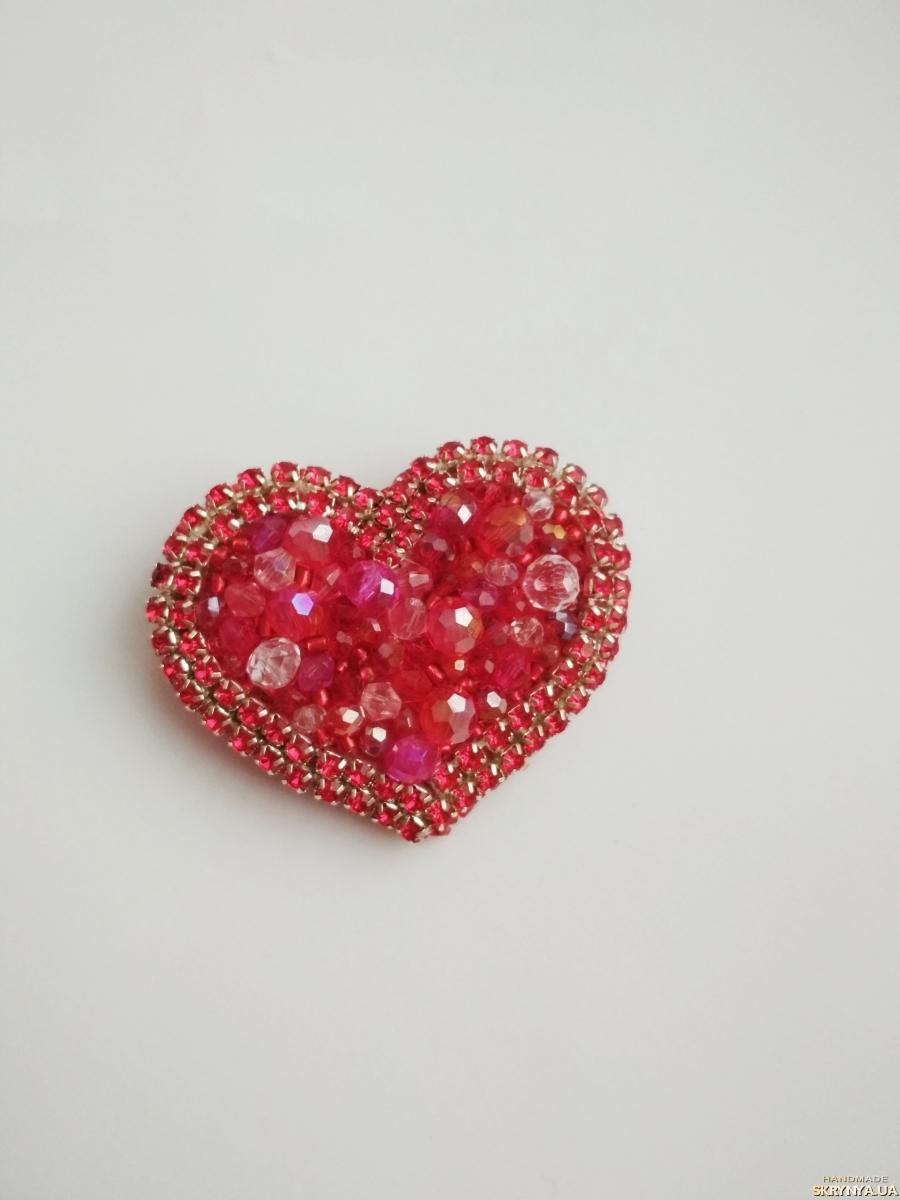 тут изображено Брошь (брелок) ′Red heart′