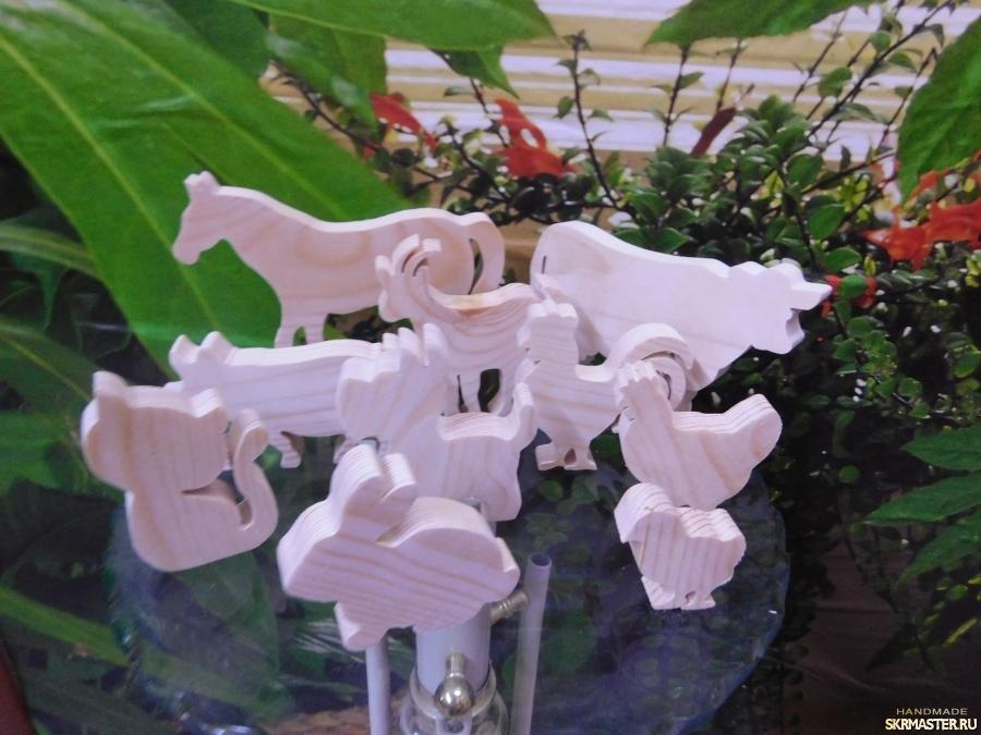 тут изображено Деревянные заготовки игрушек. Домашние животные