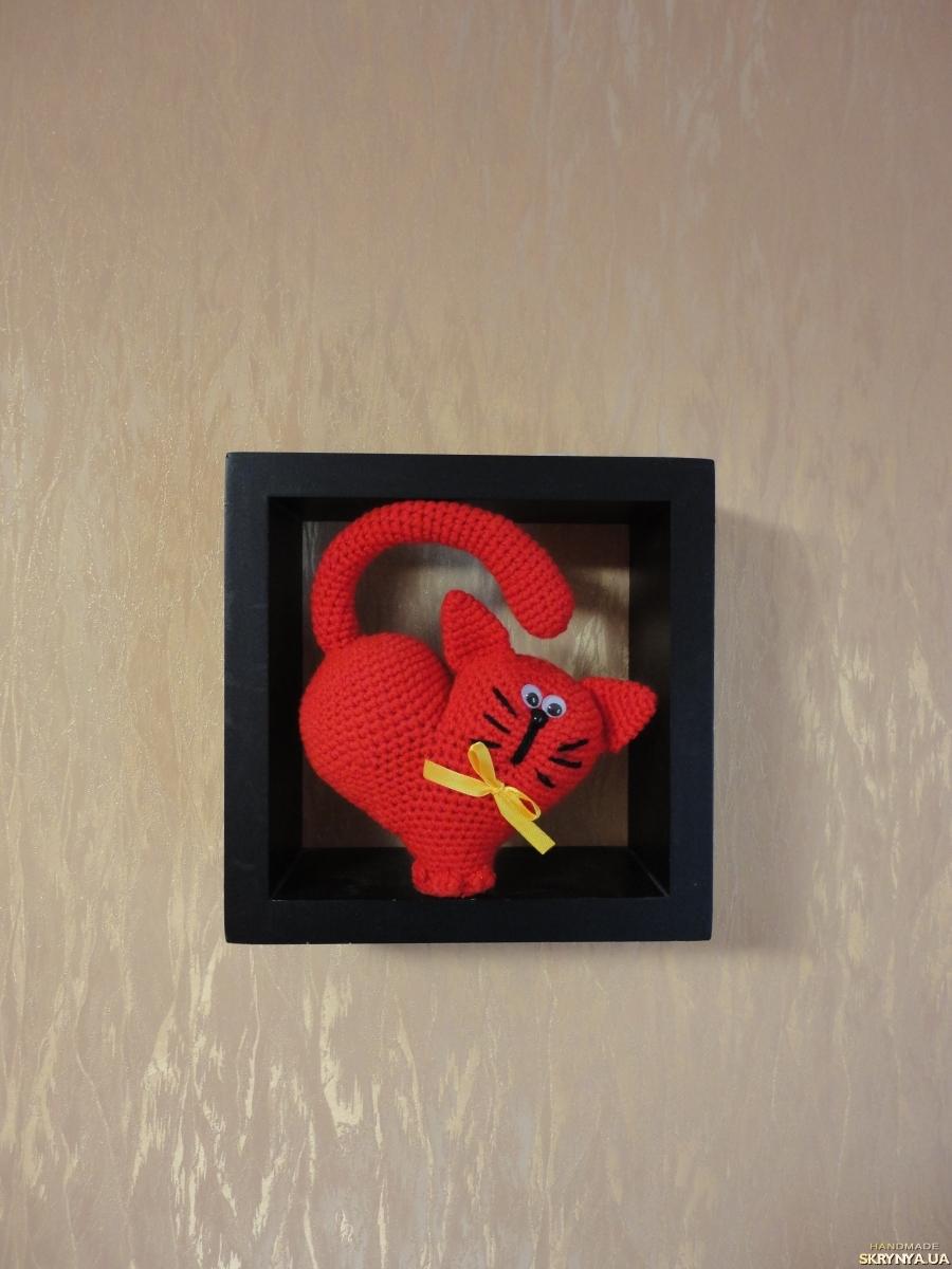 тут изображено Кот- сердечко