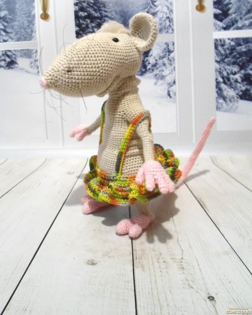 тут изображено Крыски ,символ года