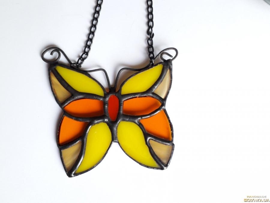 тут изображено Витражная подвеска на окно «Бабочка», маленький ловец солнца