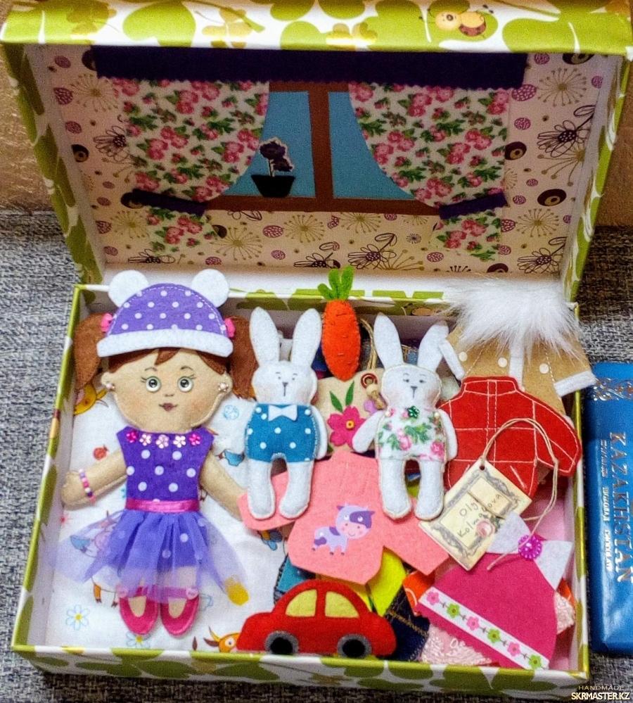 тут изображено Развивающая игра для детей от 3-х лет Одень куклу - Коробочка Счастья
