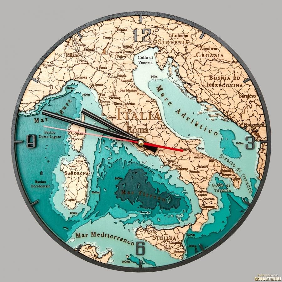 тут изображено Часы Италия многослойные