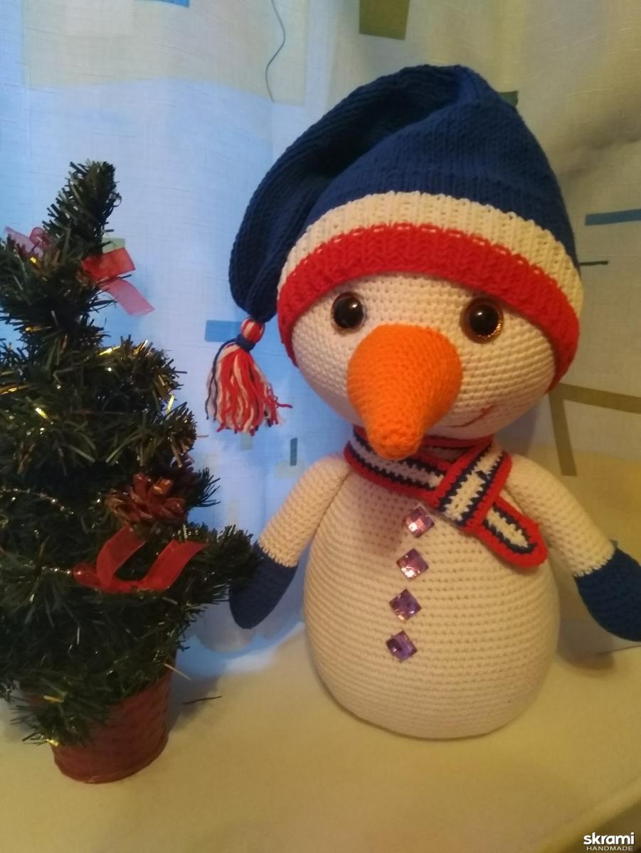 тут изображено снеговик