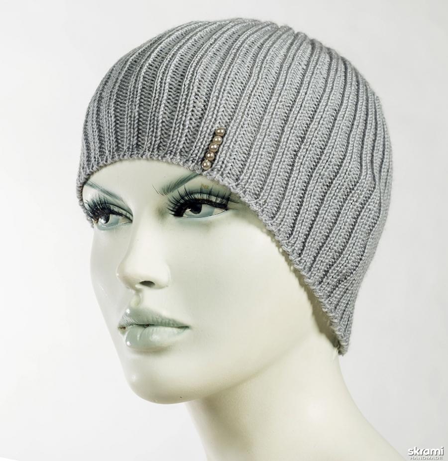 тут изображено шапка серая