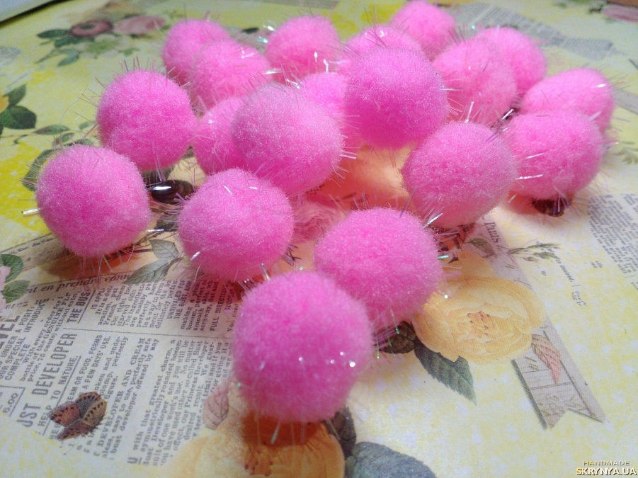 pictured here Textile Beads Pink 10 pcs.
