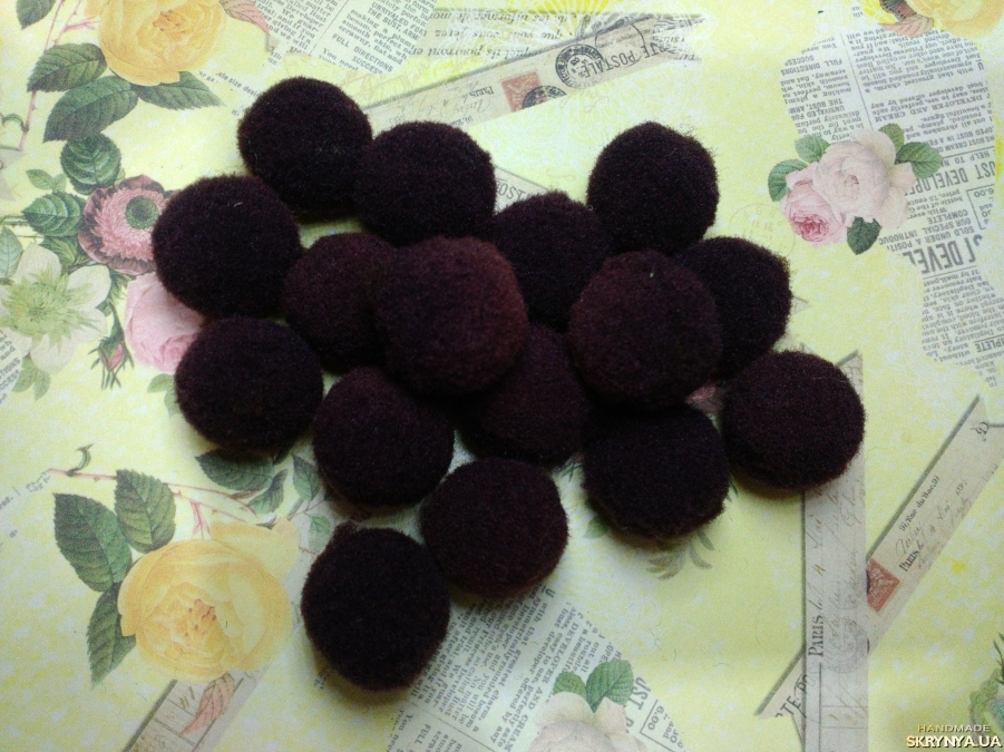pictured here Textile Beads Brown 10 pcs.