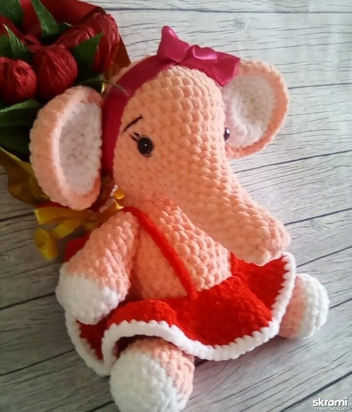 тут изображено Слонёнок