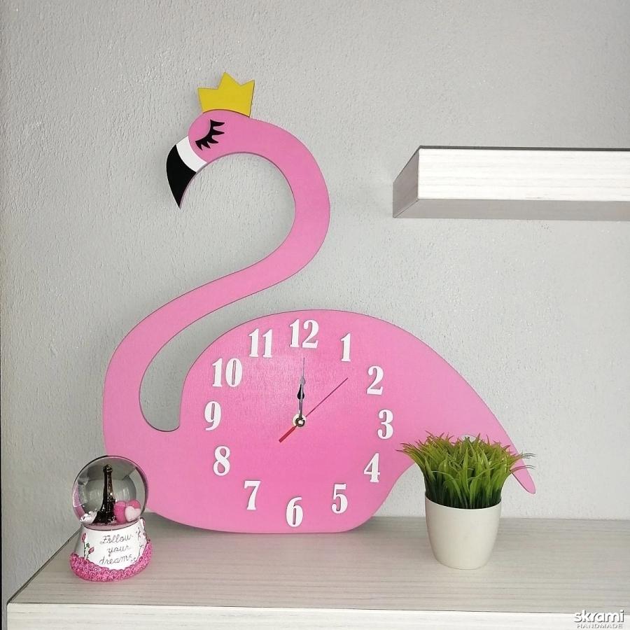 тут изображено Часы Лебедь в розовом