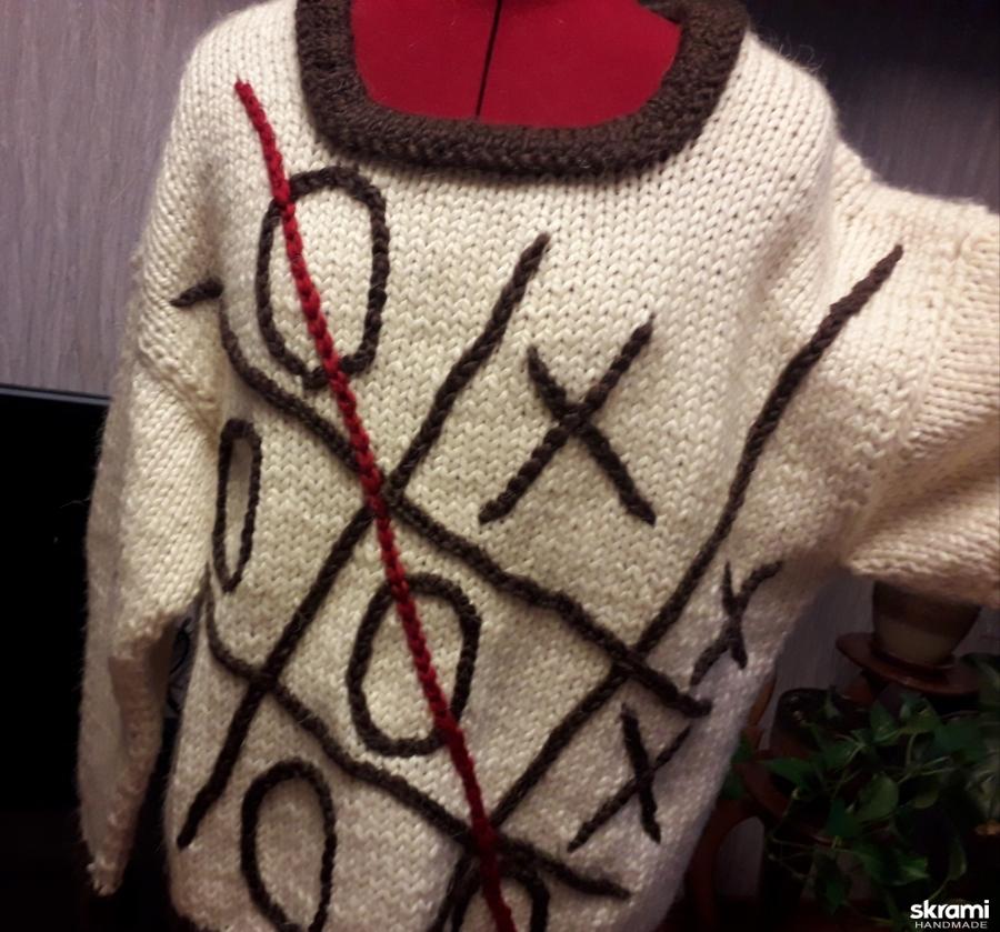 Пуловер ′ крестики- нолики′.